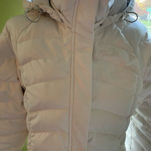 The North Face cream coat size med